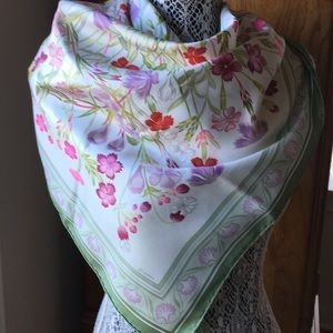 Hermès Floral Scarf/Wrap
